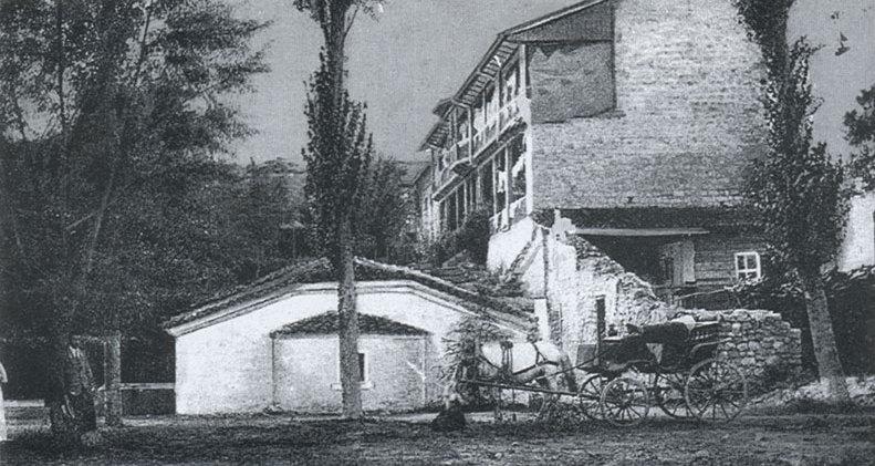 Църквата и новите постройки към манастира - нач. на XX в.