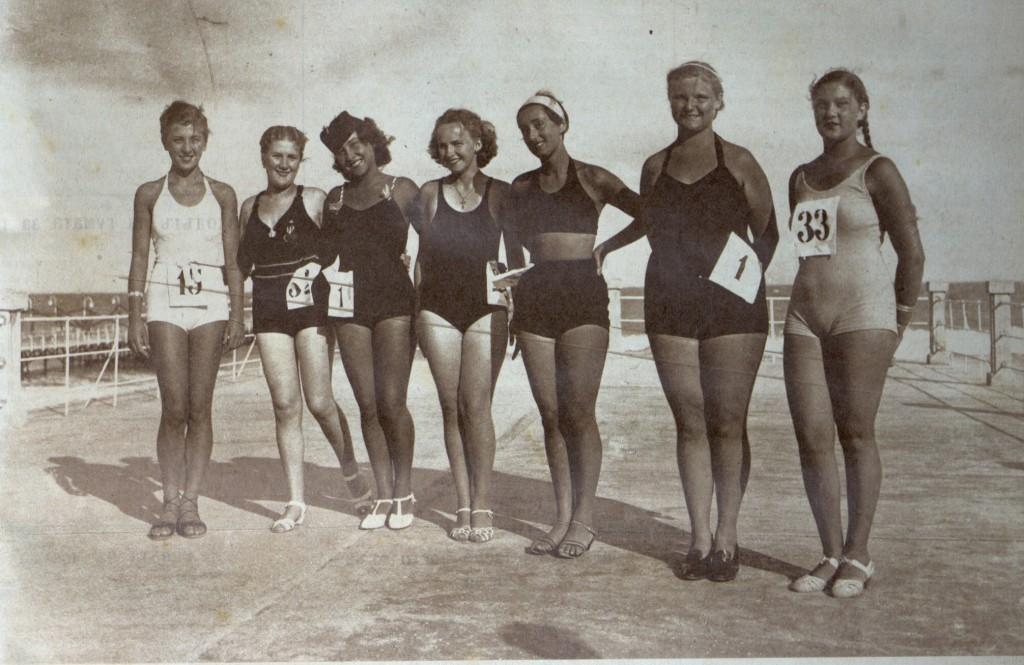 Претендентки за титлата Царица на плажа 1936 г.