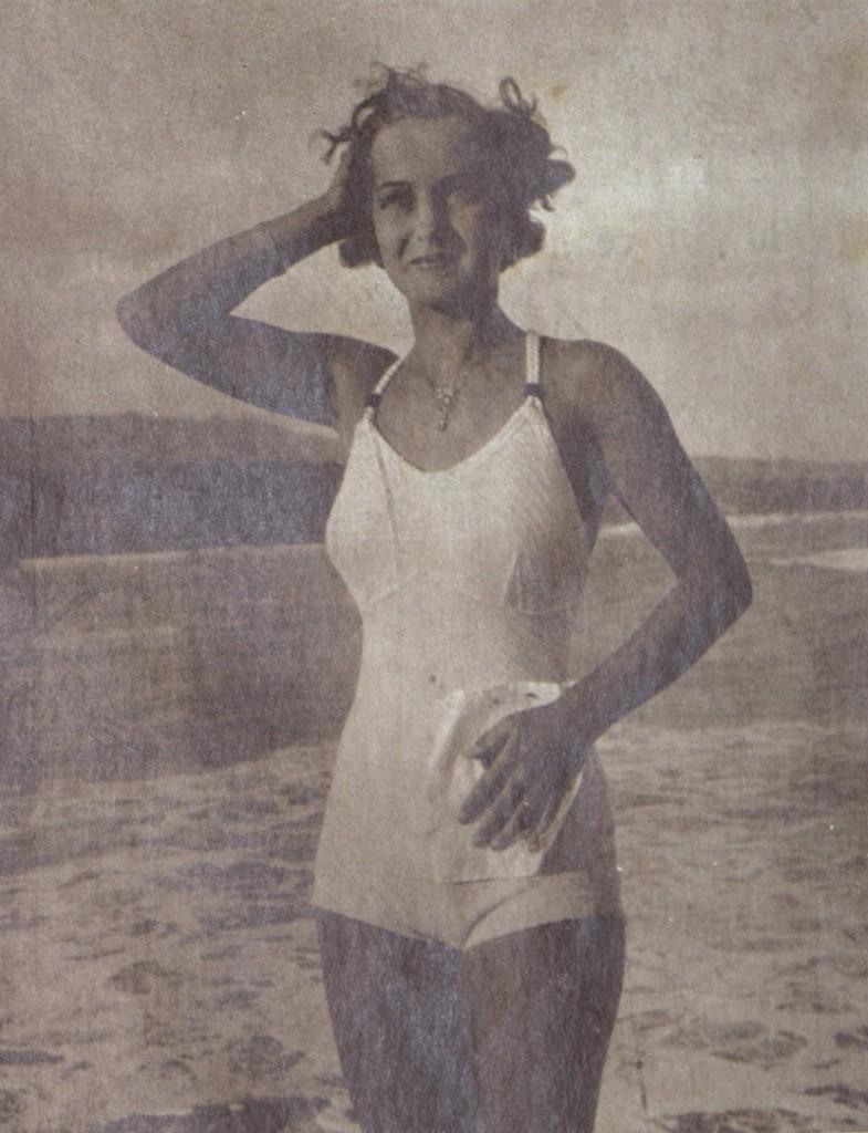Победителката Пешинка Зубкова - Царица на плажа 1936 г.