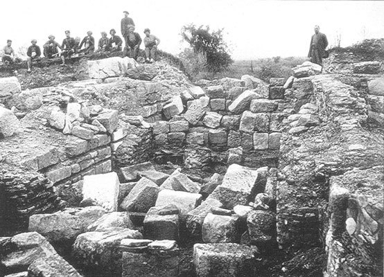 Карел Шкорпил на разкопки край Плиска